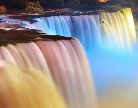 Niagara_Falls_lit_at_night_extra_if_needed.jpg