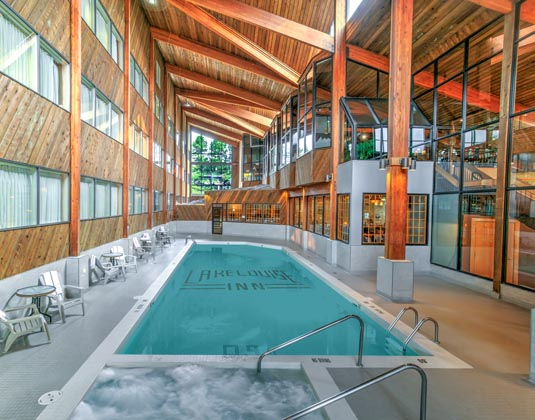 Lake_Louise_Inn_-_Pool.jpg