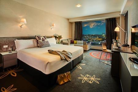 SKYCITY-Hotel-AKL_premium-room.jpg