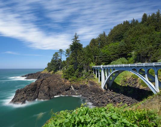 Oregon_Coastal_Highway_near_Depoe_Bay.jpg