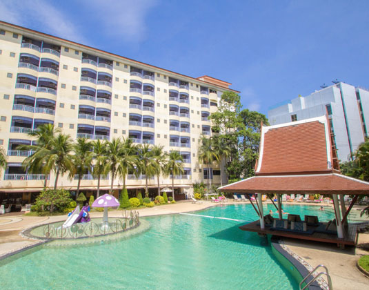 Mercure_Pattaya_-_Aqua_Pool_Bar.jpg