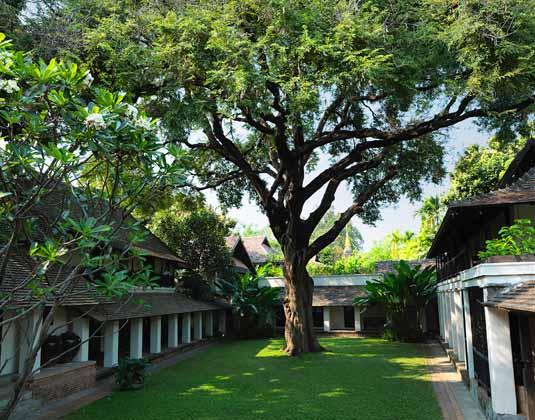 Tamarind_Village_-_Courtyard_2.jpg