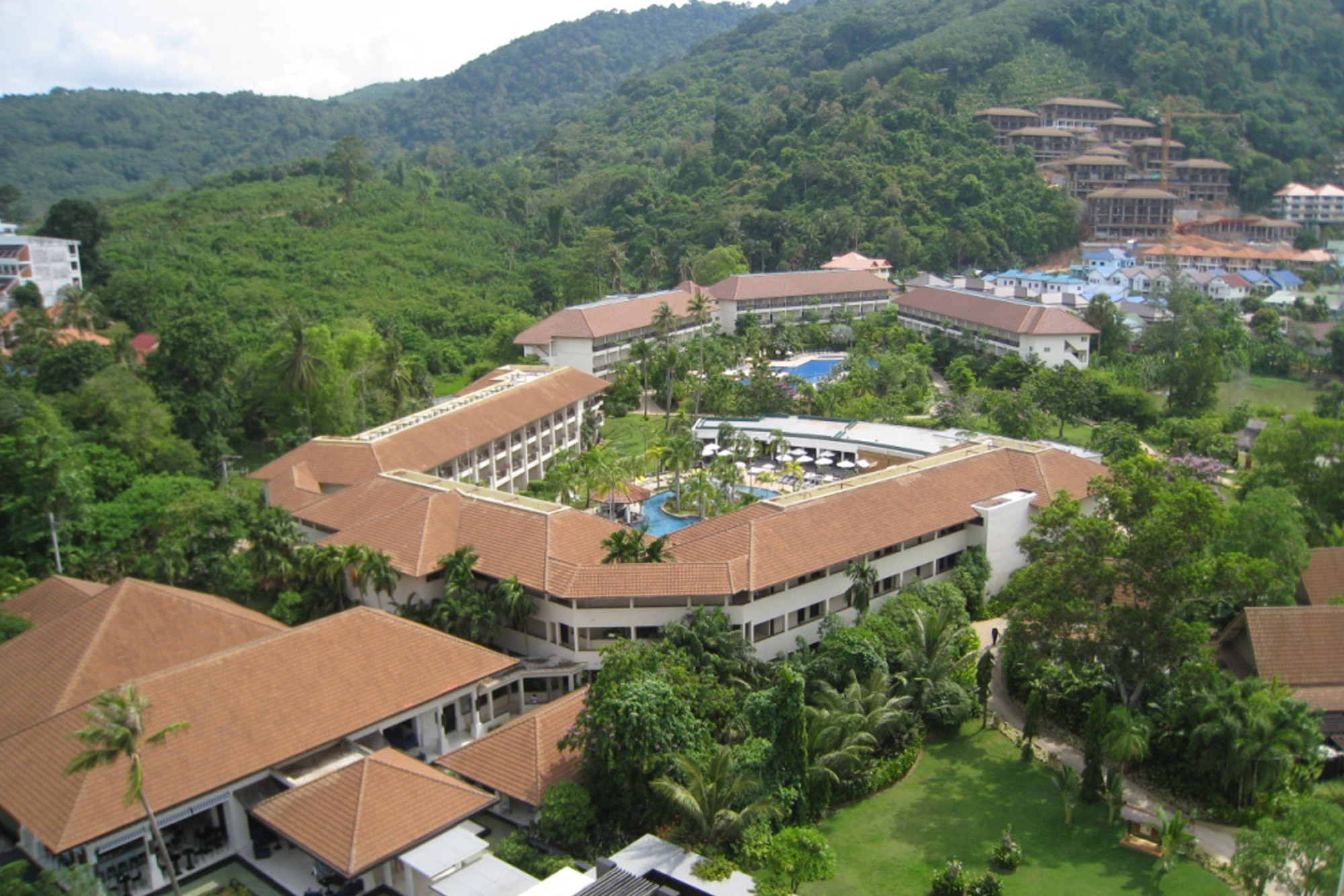 Centara_Karon_Resort.jpg