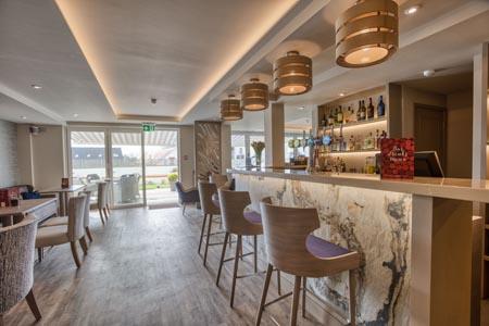 La-Barbarie-Hotel_bar.jpg