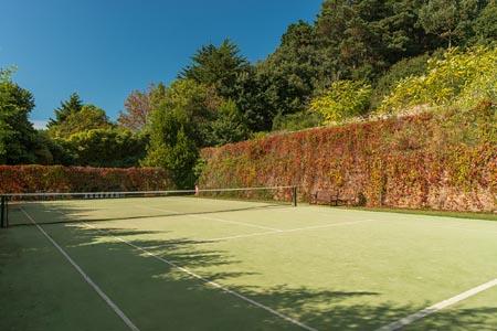 St-Brelades-Bay_tennis.jpg