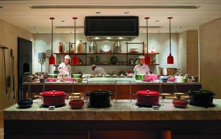 Shangri-La-Rasa-Ria_Oceano-Open-Kitchen.jpg