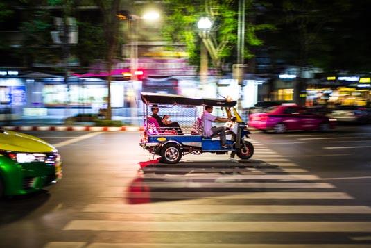 Bangkok-tuk-tuk-shutterstock_571684150.jpg