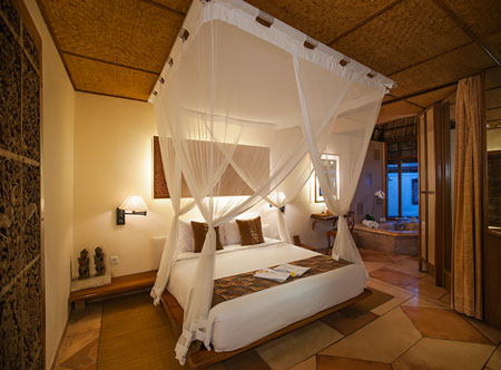 Tandjung-Sari_Village-Bungalow-Bedroom.jpg