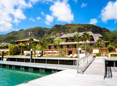 LEscale_3_Hotel-Exterior-View-from-Marina.jpg