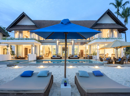 Beach-House-Mirissa_Front-of-hotel-and-pool.jpg