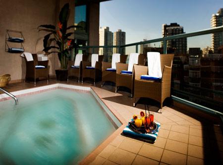 Executive-Hotel-Vintage-Park-Vancouver_Hot-tub.jpg