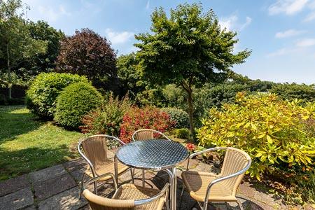 Marton_gardens-and-table.jpg