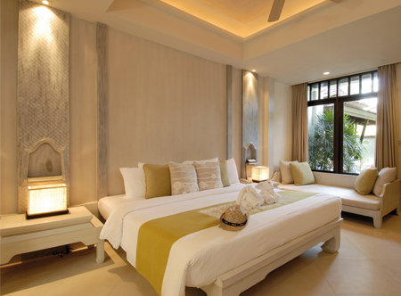 12352_2_Melati_Beach_Resort_and_Spa_Grand_Deluxe_room.jpg