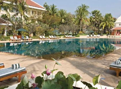 Raffles Grand d'Angkor pool