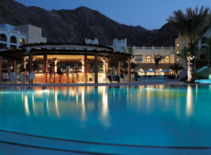 13785_6_Shangri_Las_Barr_Al_Jissah_Al_Waha_Pool_at_night.jpg