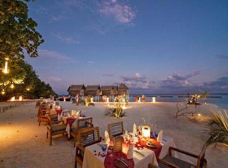 Constance-moofushi-maldives-2020-alizee-restaurant-03.jpg