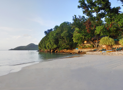 14807_4_Cerf_Island_Beach.jpg