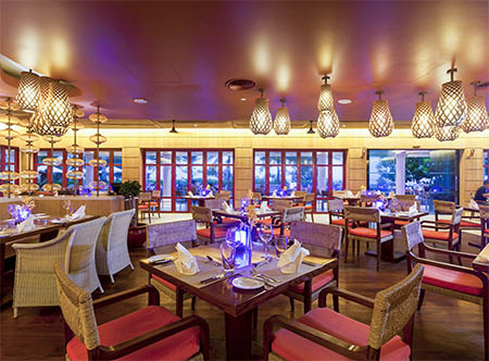 Centara_Grand_Beach_Resort_Phuket_-_The_Cove_Restaurant.jpg