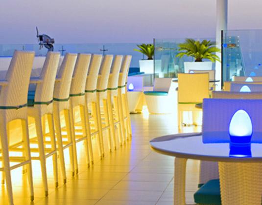 Hilton_Dubai_Jumeirah_Resort_-_Pure_Sky_Lounge_Dining.jpg