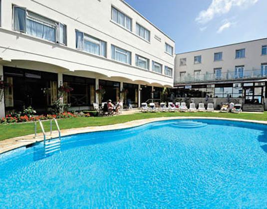 Apollo_Hotel_-_Pool.jpg