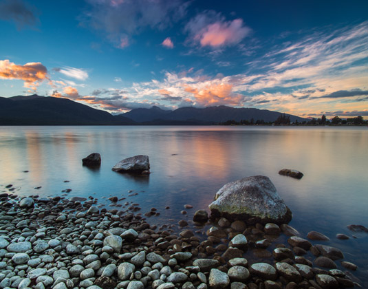 Lake_Te_Anau.jpg