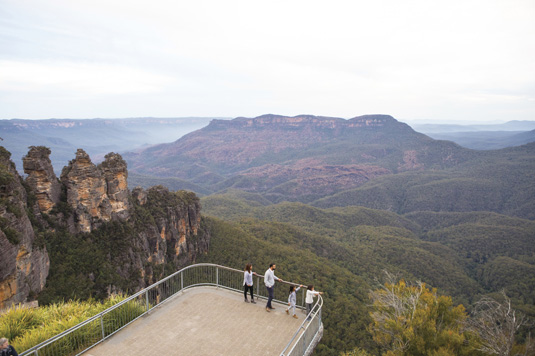 Viewpoint_Blue_Mountains_Destination_NSW_image.jpg