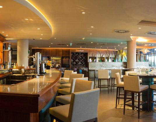 Royal_Yacht_-_Cafe_Zephyr.jpg