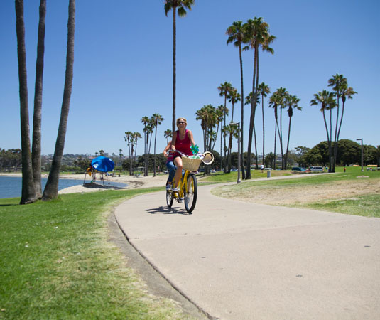 San_Diego,_Mission_Bay_Beach_Cruiser.jpg