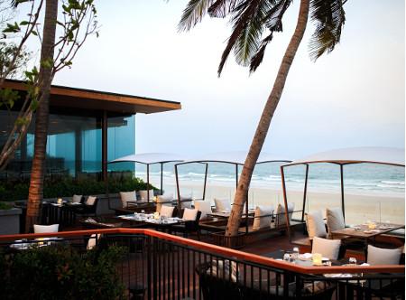 Hua_Hin_Marriott_-_Big_Fish_Terrace.jpg