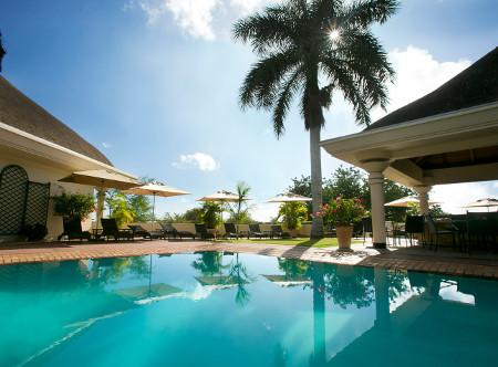 Ilala_Lodge_-_Swimming_pool.JPG