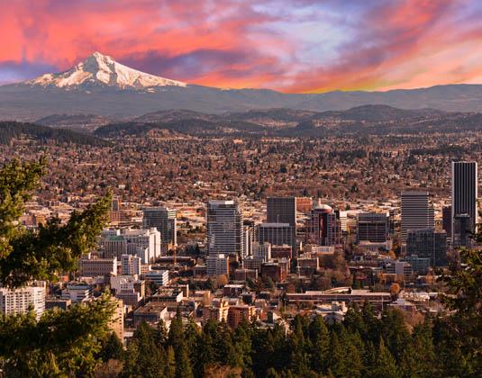 Sunrise_View_of_Portland,_Oregon.jpg