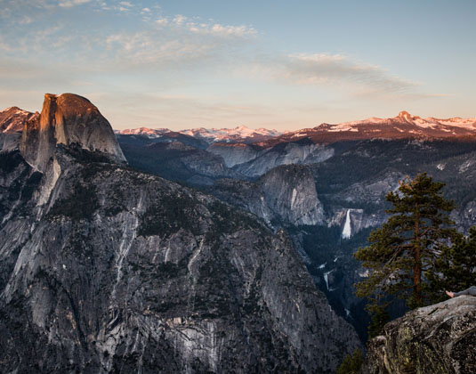 Sunset_over_Glacier_Point,_Yosemite.jpg