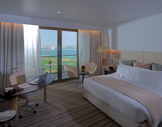 Crowne_Plaza_Yas_Island_-_Deluxe_Room.jpg