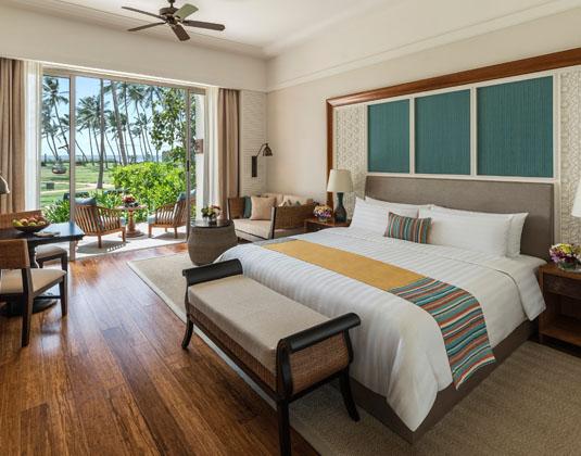 Shangri-Las,_Hambantota_Golf_Resort_and_Spa_-_Deluxe_Garden_Room.jpg