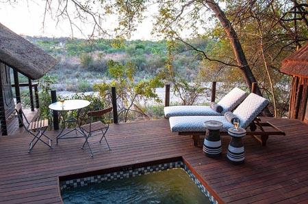 Jock-Safari-Lodge_suite-deck.jpg
