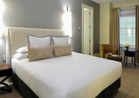 Hotel-Lindrum_studio-room.jpg