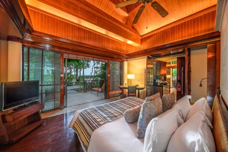 Centara-Grand-Krabi-Beach-Resort_one-bedroom-beachfront-villa-03.jpg