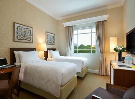 Rendezvous-Hotel-Singapore_Superior-Room_Twin_Hi.jpg