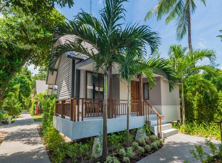 Peace-Resort-Samui_Premier-bungalow-exterior.jpg