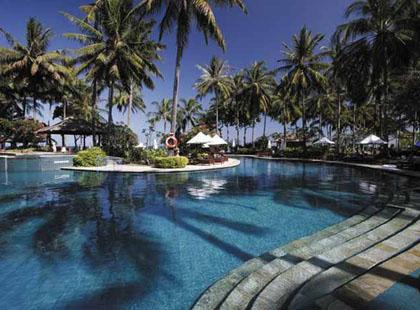 13090_1_0306_Holiday_Resort_Lombok_Pool.jpg