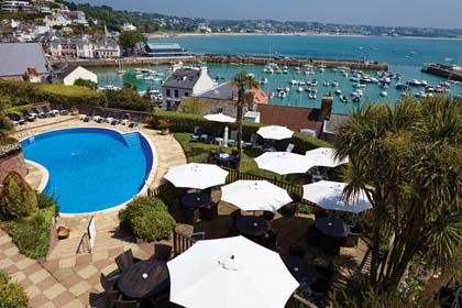 Somerville_hotel_pool_and_terrace_with_harbour_views.jpg