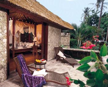 13115_5_Oberoi_Lombok_pool_villa_terrace.jpg
