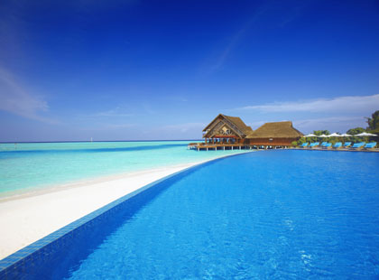 13713_1_Anantara_Dhigu_Pool_and_Restaurants.jpg