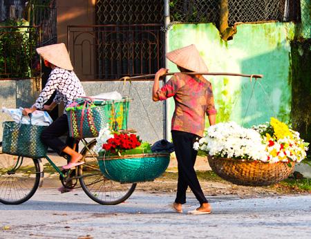 Vietnam_Street_Traders.jpg