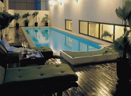 Duxton,_Ho_Chi_Minh_City_-_Swimming_Pool2.jpg
