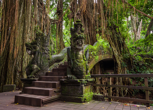 Dragon Bridge in Sacred Monkey Forest