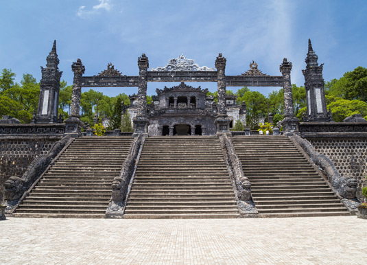 Grand-stairs-in-Imperial-Kh.jpg