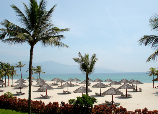 Cua-Dai-Beach.jpg