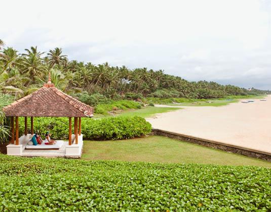 Saman_Villas_South_beach_from_Lower_Garden.jpg