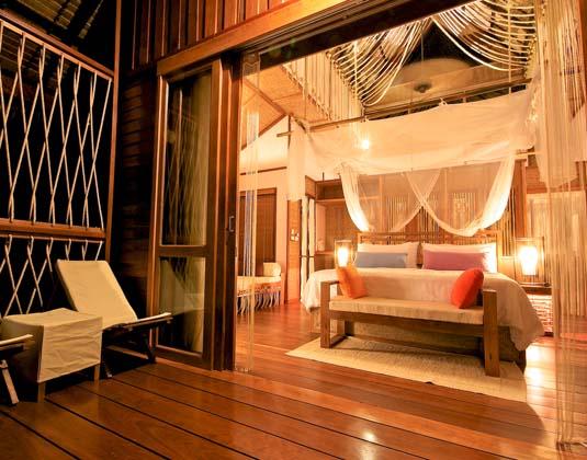 The_FloatHouse_-_Bedroom.jpg